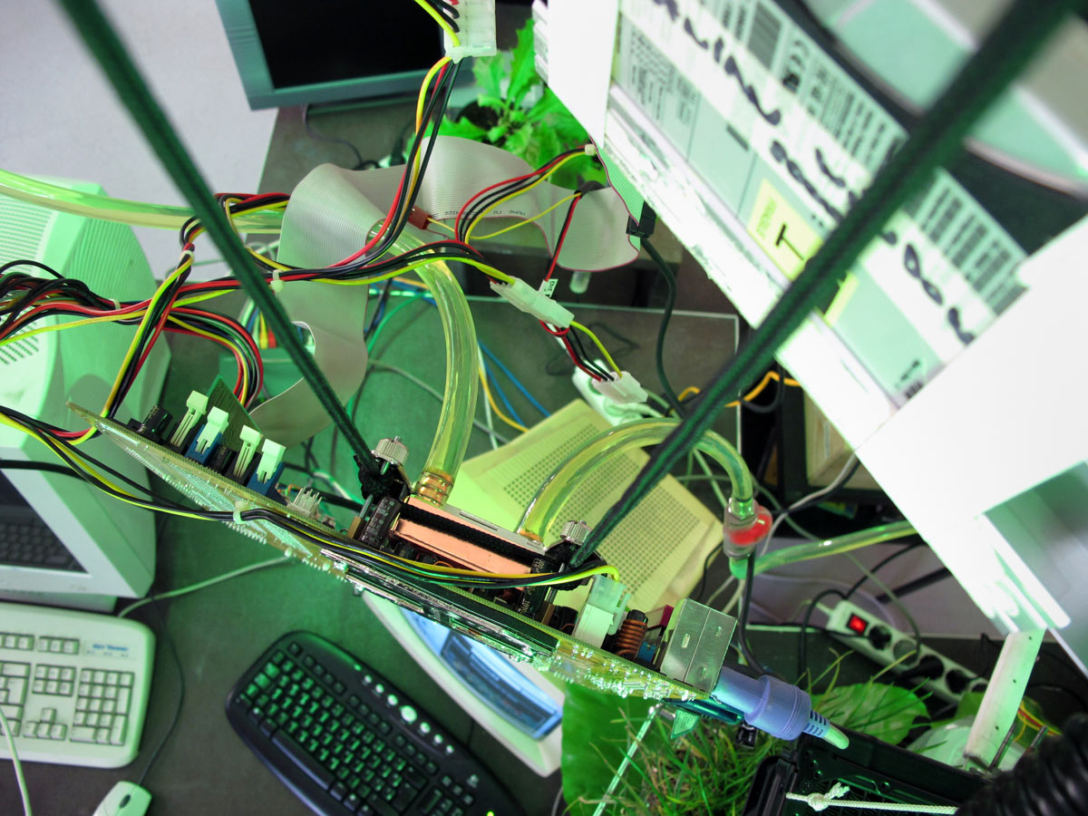 Angelo Vermeulen Biomodd Mr Electrical Electronics Projects For Dummies Mrbw 2010 Algae Cooling02 Photo By